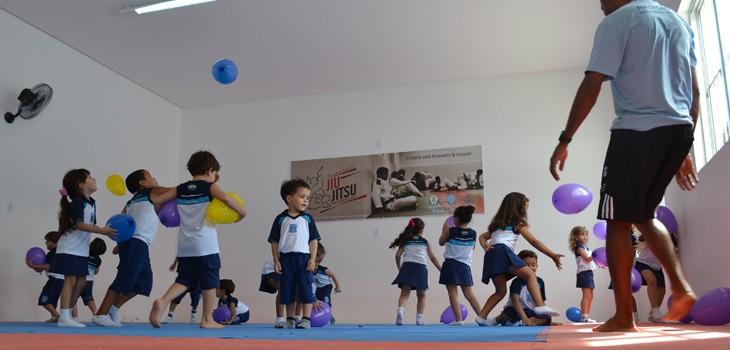 Famosos Novidade: educação física e natação passam a fazer parte das aulas  XE89